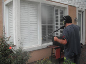 Pressure washing service Ventura, Oxnard, Camarillo, Ventura County Ca. power washing 805-612-3471 (17)_small.JPG (84914 bytes)