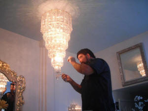 Chandelier cleaning service camarillo ca. 805-904-7545.JPG (55668 bytes)